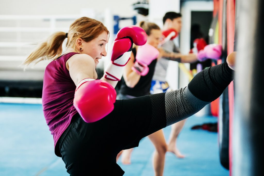 Femme perte de poids boxe thai